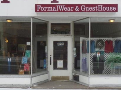 Teslow's Formal Wear & Guesthouse